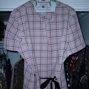 R&K top 18 dusky pink/gray button down cap slvs